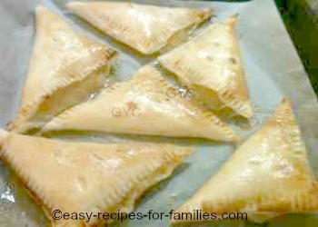 Easy apple recipes - Apple turnovers beautifully baked