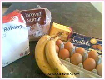 easy banana cake recipe ingredients
