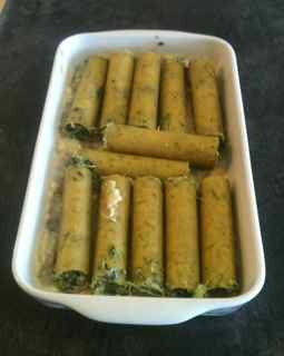 Easy Italian Recipes - Spinach Cannelloni arranged in an oven proof dish