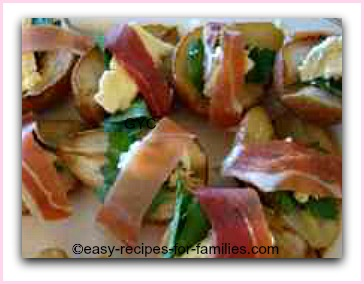 roasted pears with brie wrapped with proscuitto
