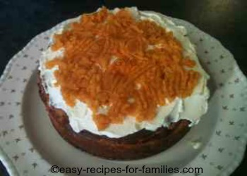 Layer of pumpkin and whipped cream on the cheese cake