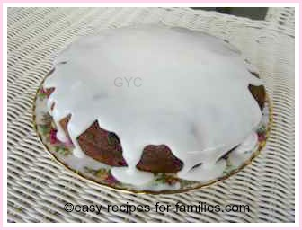 sultana cake with icing