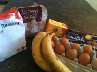 The basic ingredients for easy banana cake recipes