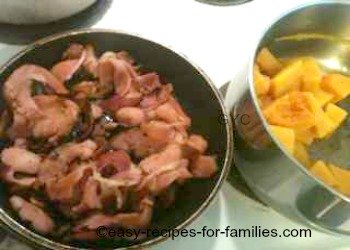 Cooked ingredients of pumpkin and bacon for the easy pumpkin pie recipe