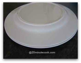 Upturned plate used as a lid