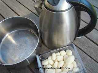 Ingredients to cook gnocchi